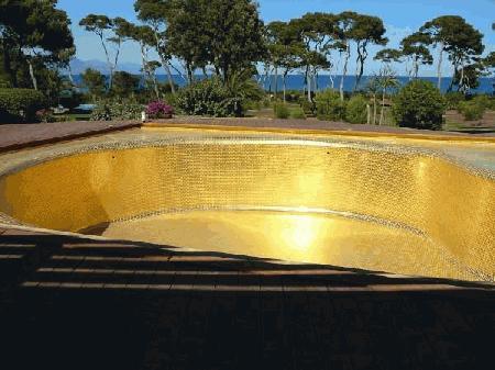 Pastilha Dourada para piscina
