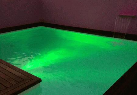 Lâmpada led piscina multicor